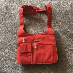 Baggalini NWOT Multi Compartment Crossbody Bag